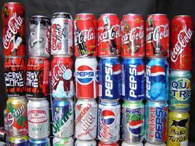 Colecionar latinhas de cerveja e refrigerante