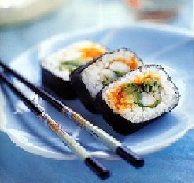 Comida japonês sashimi e sushi como faz
