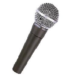 Microfoen Karaokê-videokê