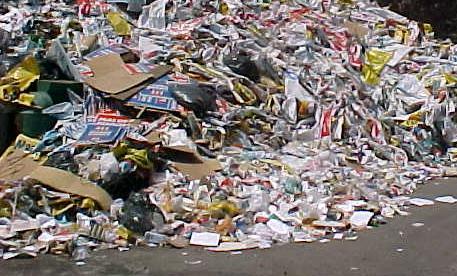 Carro movido a lixo