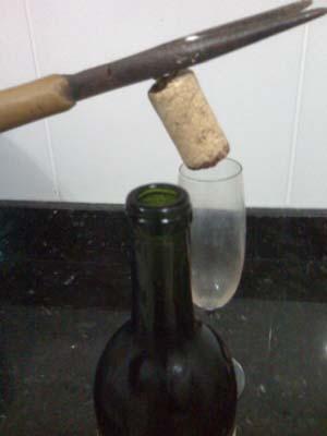 abrir garrafa de vinho saca rolha 3