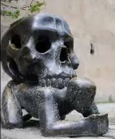 Estatuas curiosas diferentes e estranhas